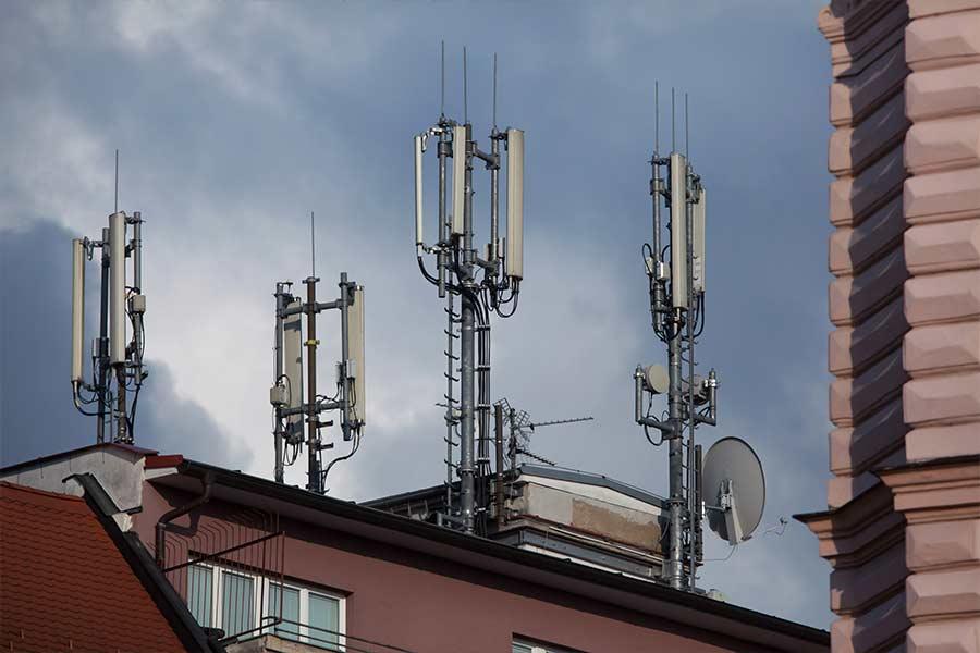 אנטנות סלולריות מעל מוסדות בריאותיים
